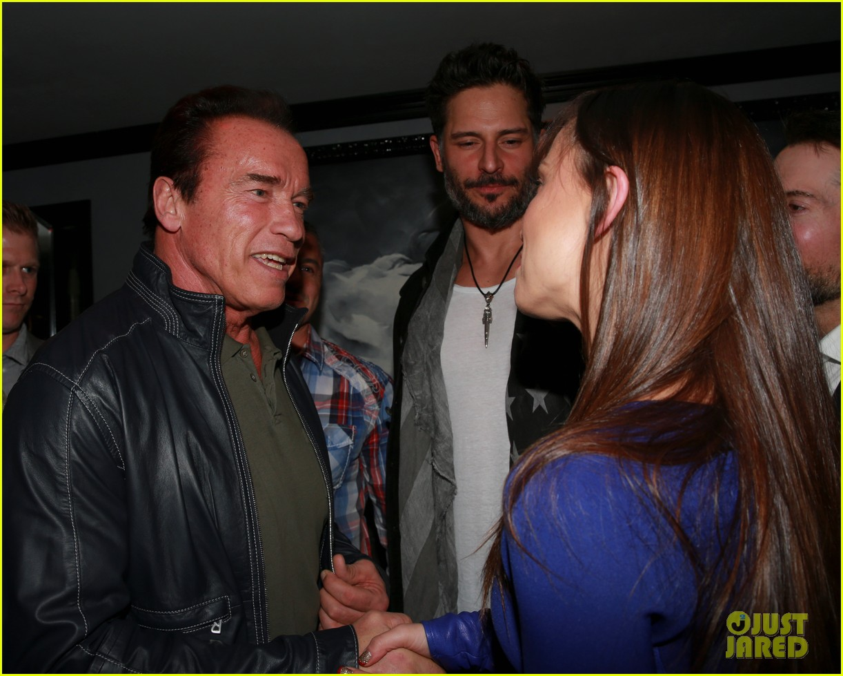 joe manganiello celebrates muscle fitness cover with arnold schwarzenegger 033014925