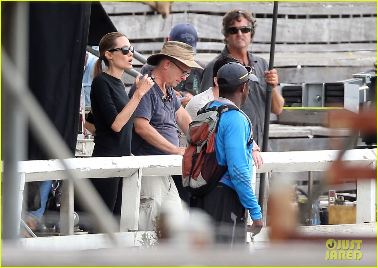 angelina jolie back to work for unbroken after family weekend 033008174