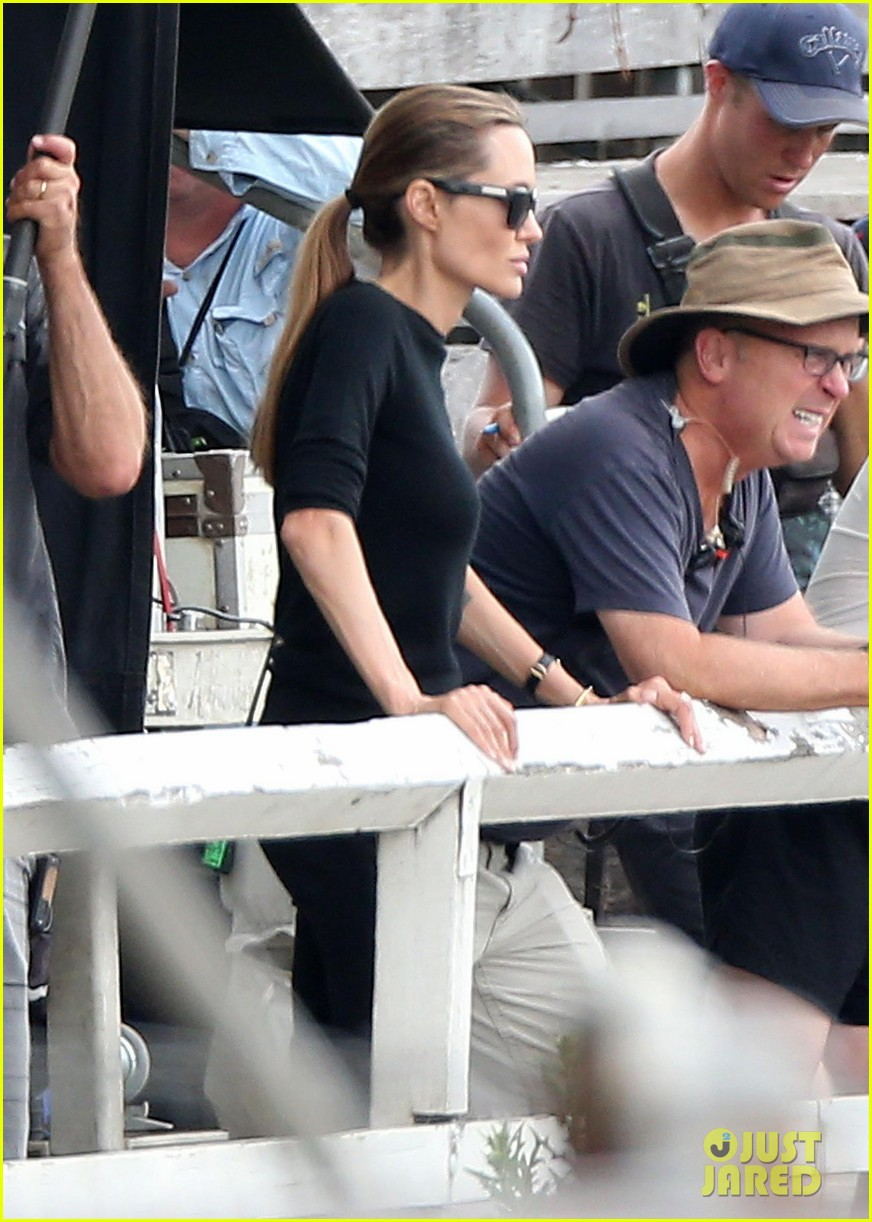 angelina jolie back to work for unbroken after family weekend 04