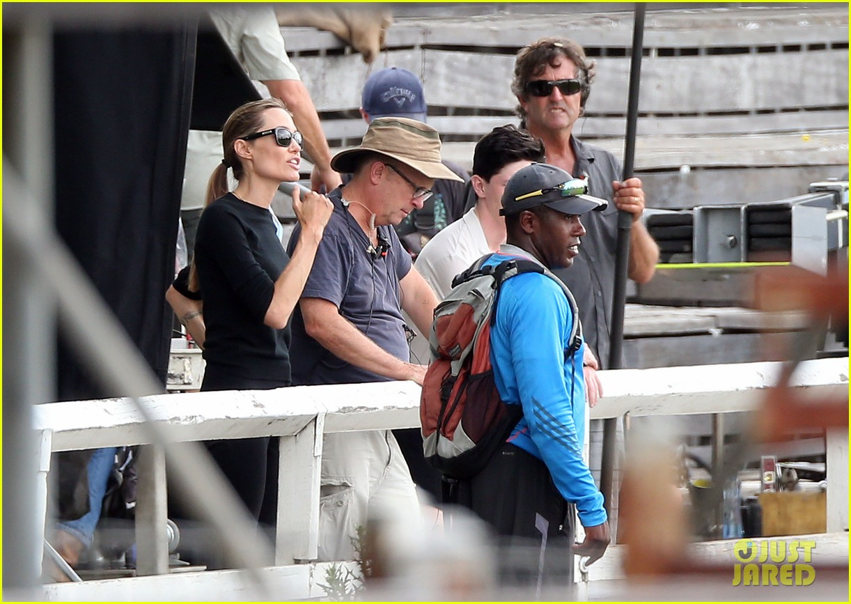 angelina jolie back to work for unbroken after family weekend 18
