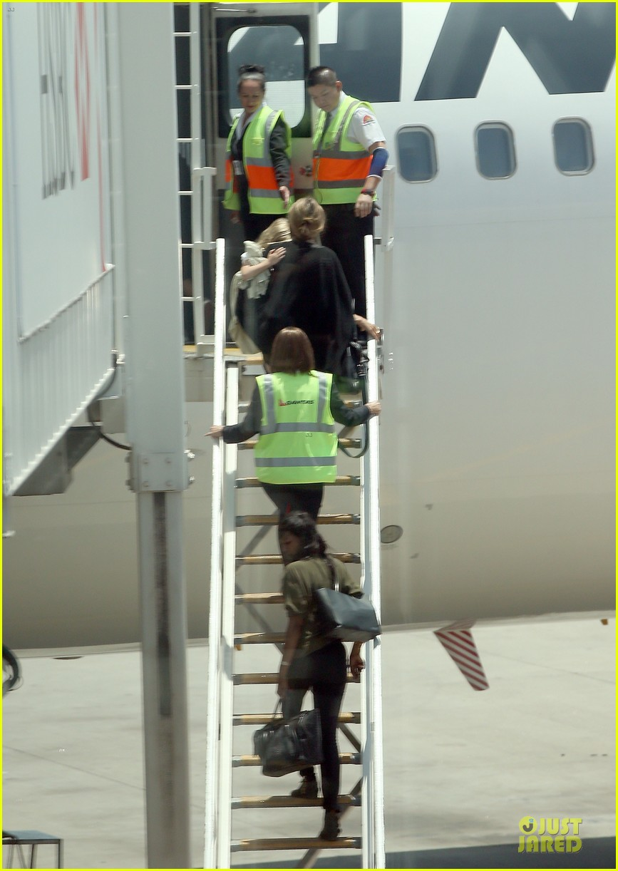 angelina jolie sydney holiday departure with the kids 113015758