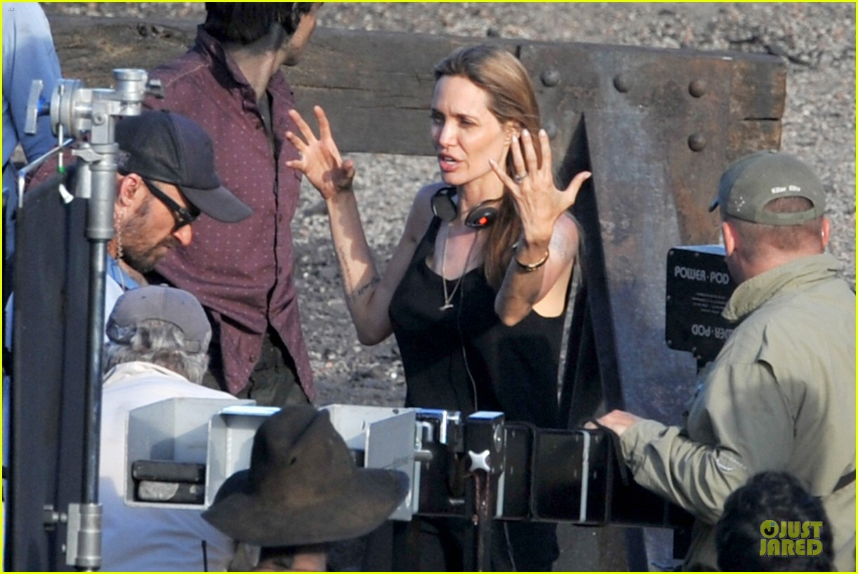 angelina jolie set to co chair summit combatting sexual violence 153003634