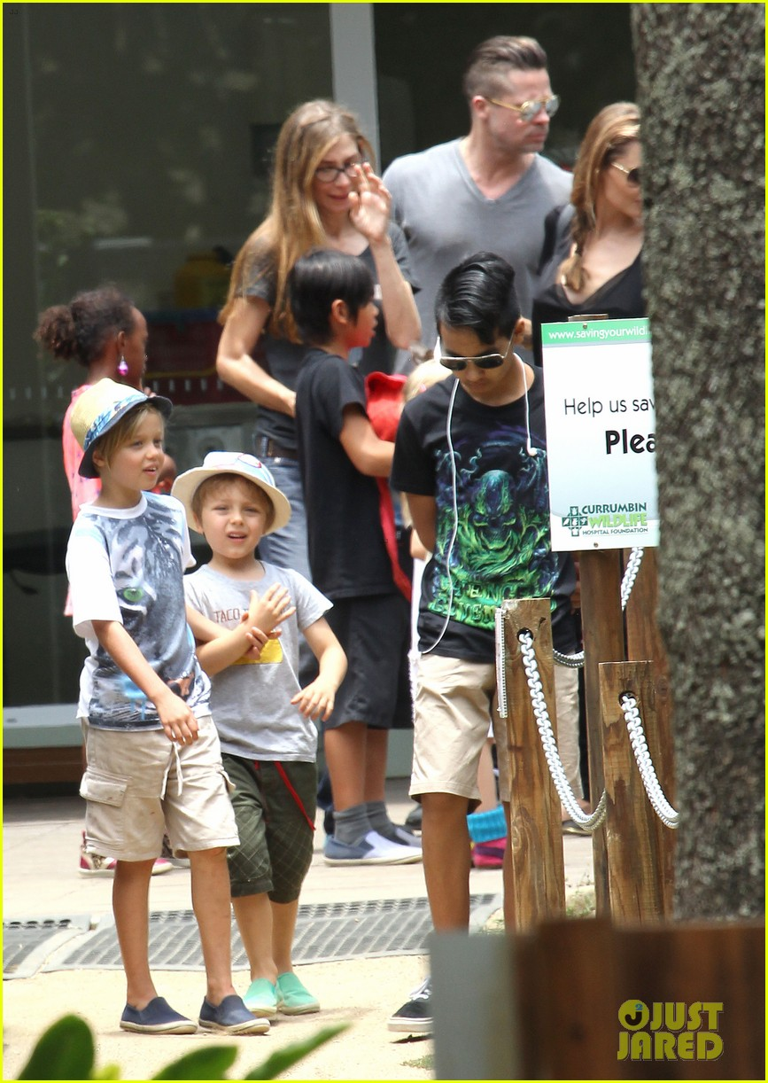 angelina jolie brad pitt visit the zoo with all six kids 633018299