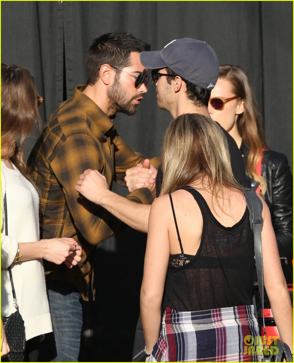 joe jonas jesse metcalfe lunch with their gals 043019766