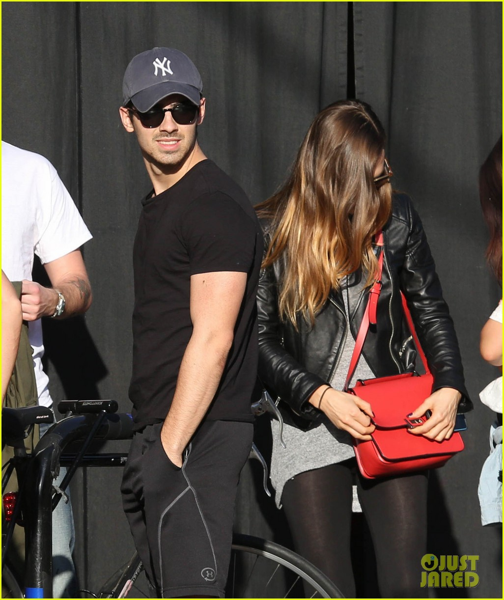 joe jonas jesse metcalfe lunch with their gals 073019769
