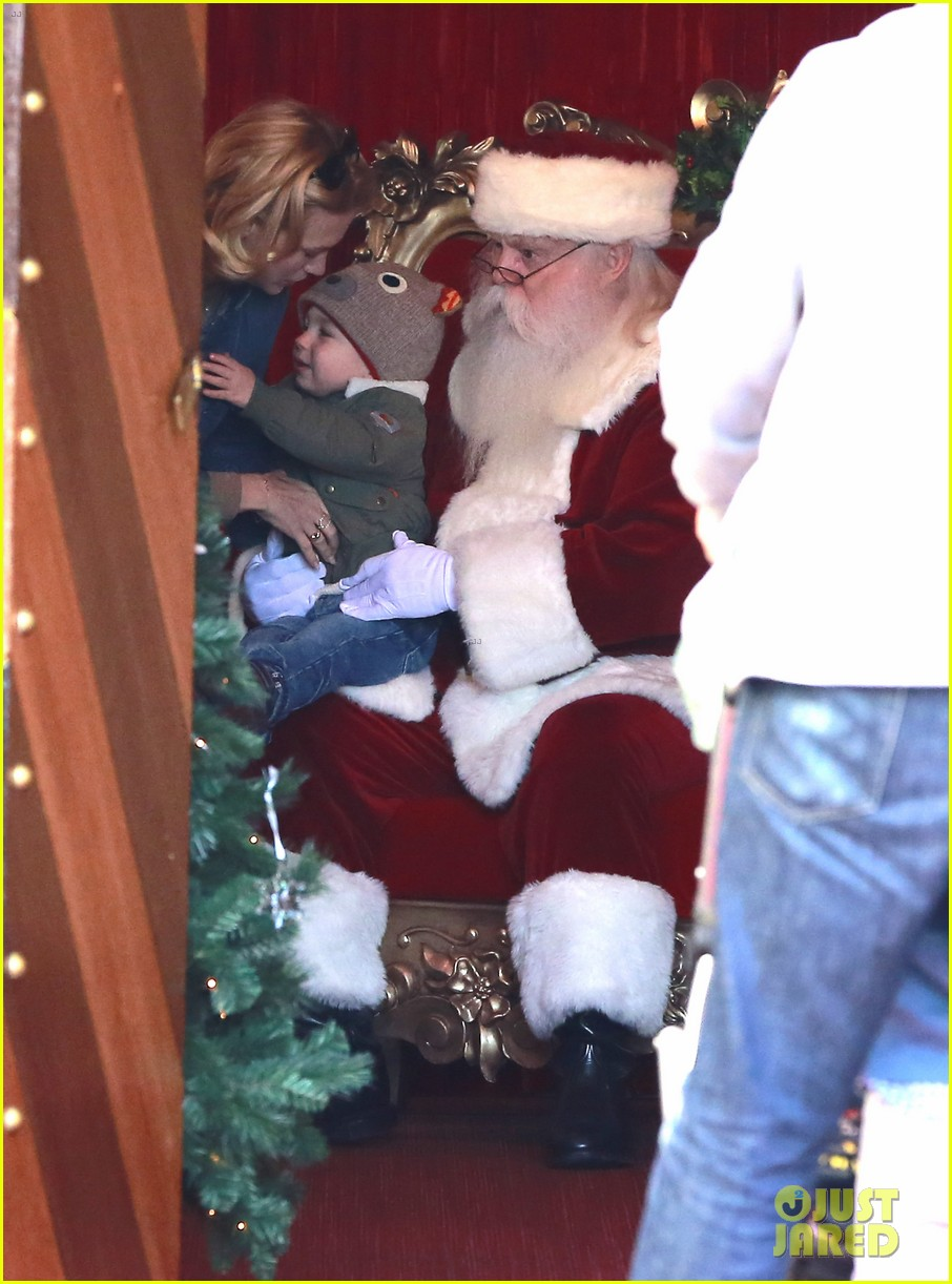 january jones takes xander to meet santa claus 09