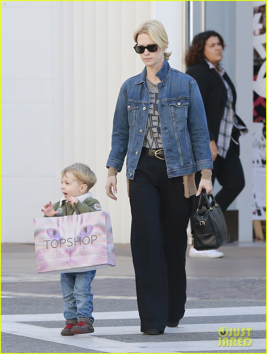 january jones takes xander to meet santa claus 183007071
