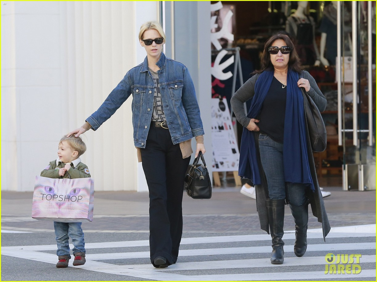 january jones takes xander to meet santa claus 203007073