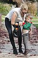 january jones her little man xander are in the xmas spirit 11