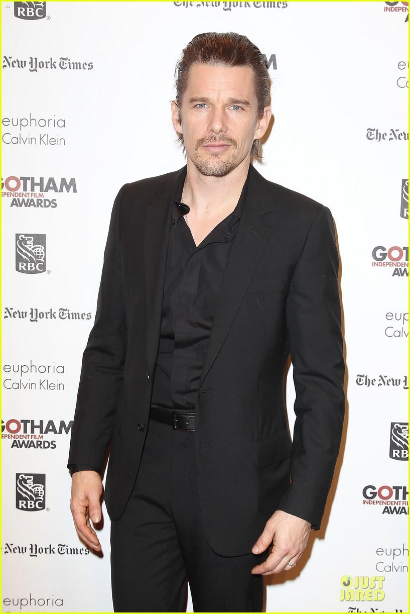michael b jordan wins breakthrough actor at gotham awards 02