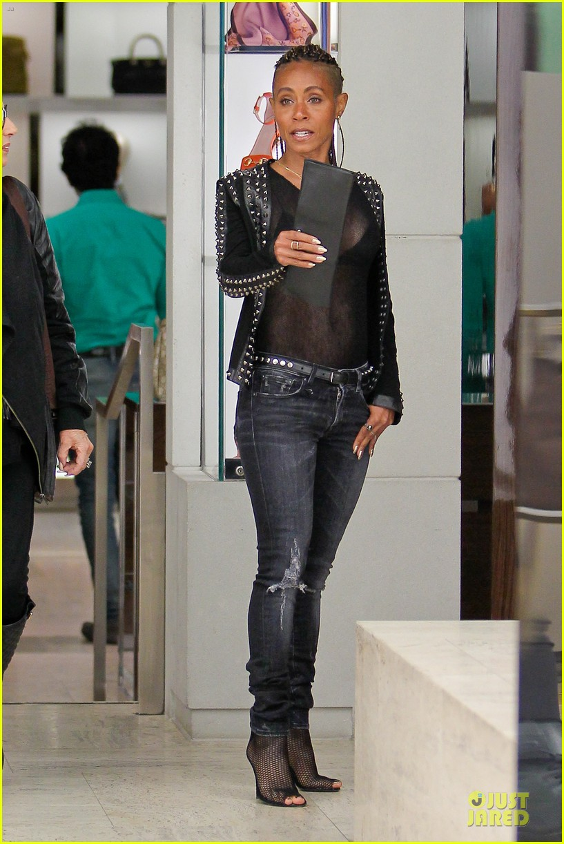 jada pinkett smith flashes black bra in sexy sheer top 093010281