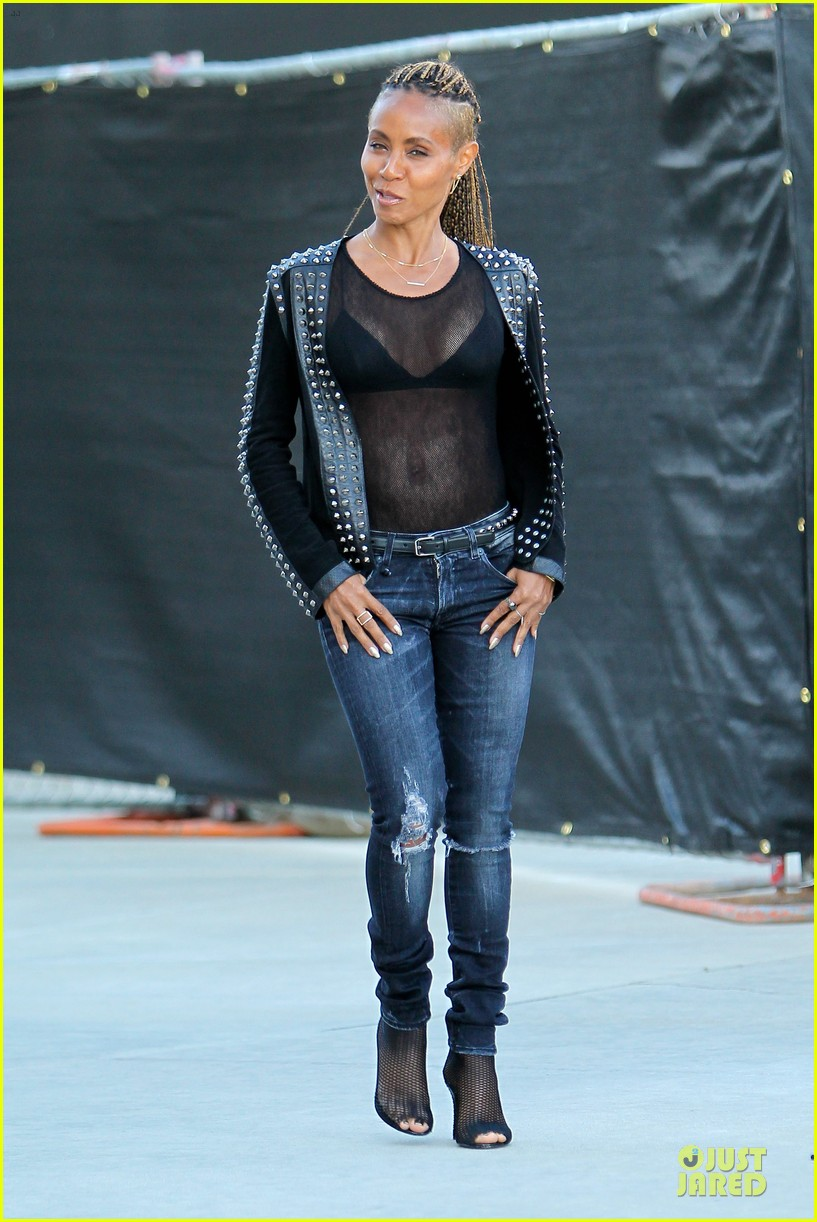 jada pinkett smith flashes black bra in sexy sheer top 11