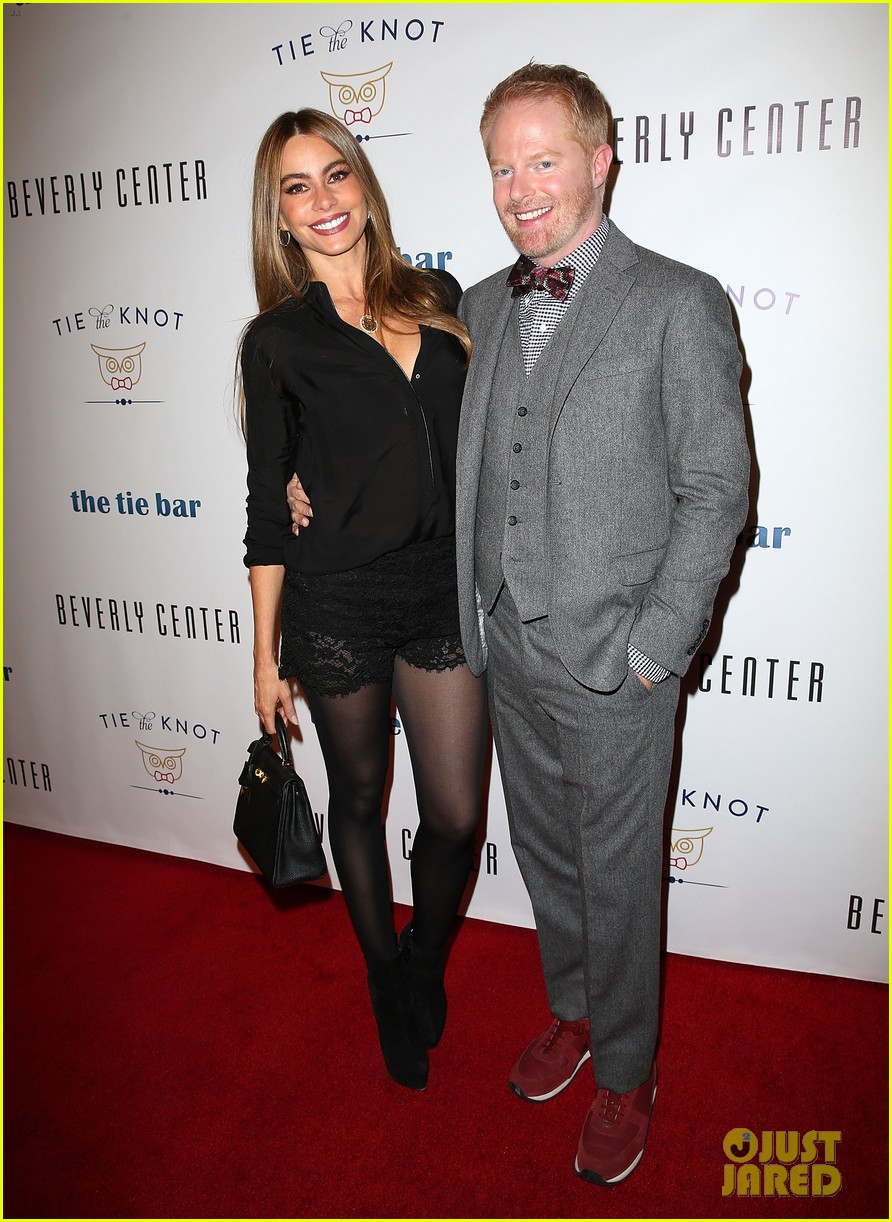 jesse tyler ferguson sofia vergara tie the knot pop up shop opening 143006611