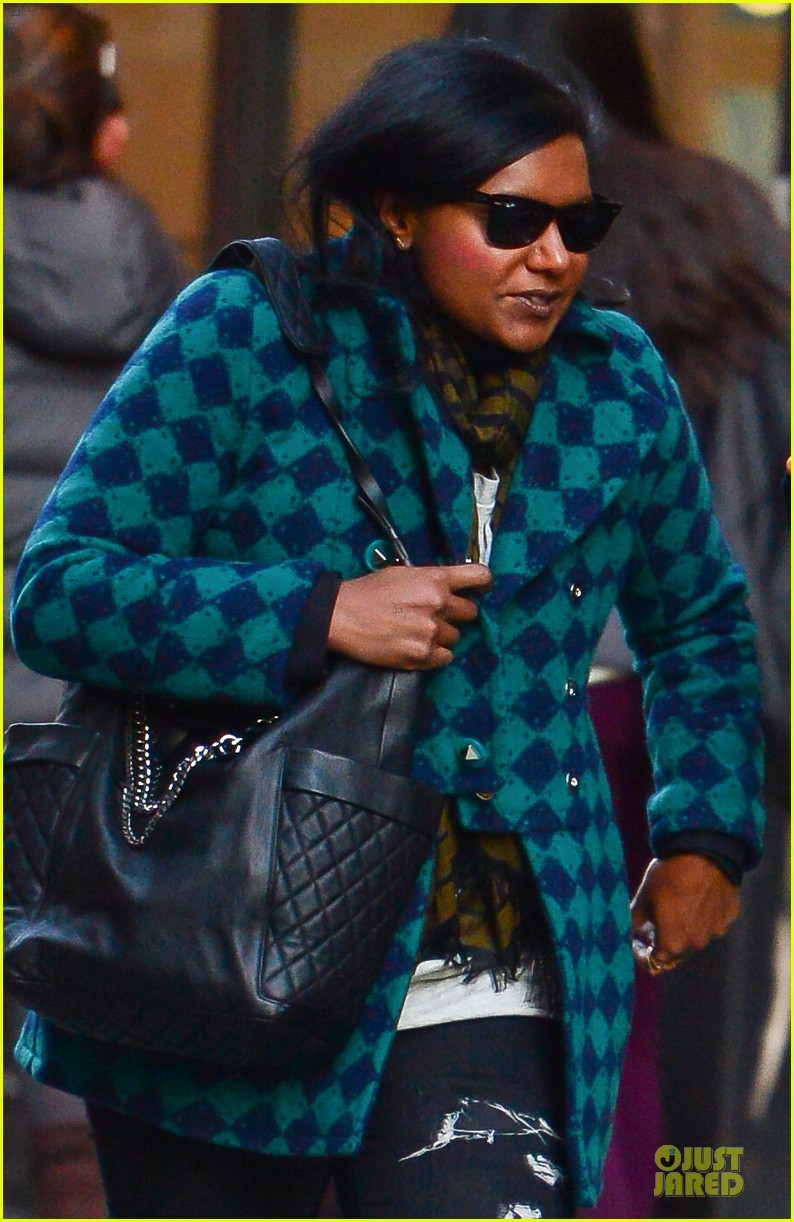 mindy kaling christmas eve stroll with male pal in nyc 043017417