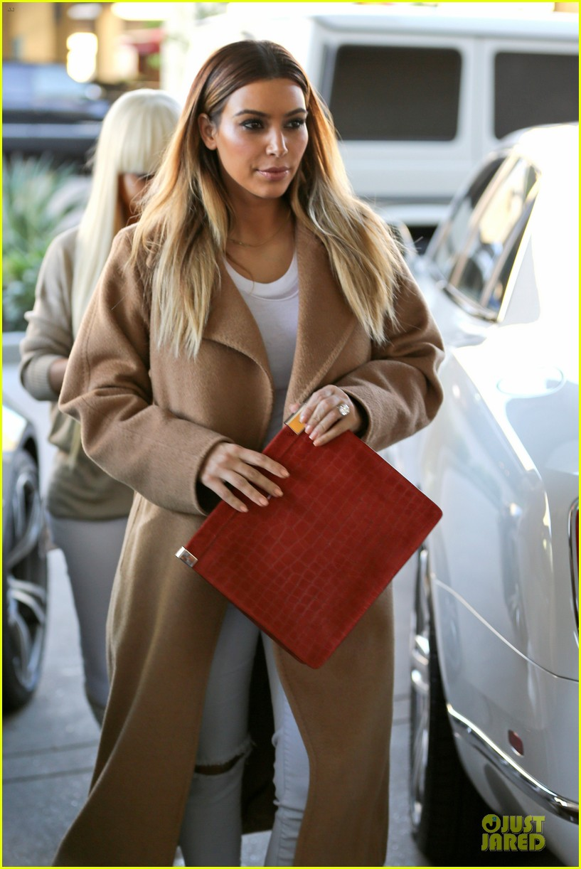 kim kardashian neiman marcus stop after knloe split news 023011524
