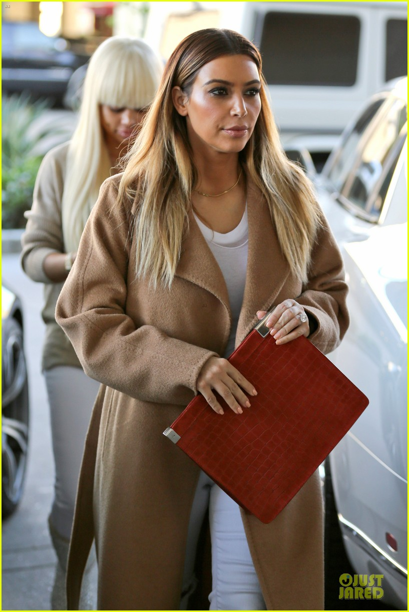 kim kardashian neiman marcus stop after knloe split news 063011528