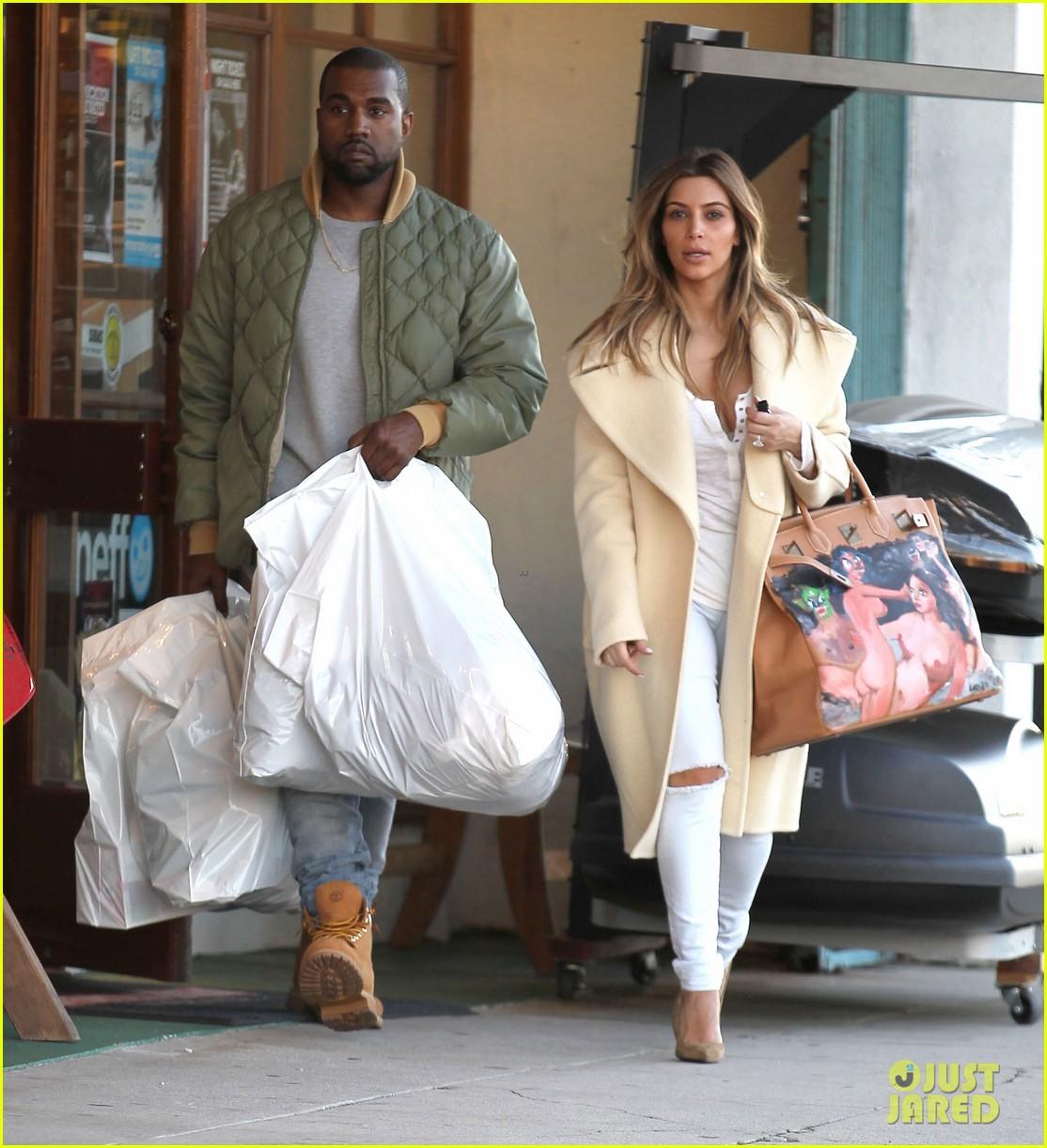 Kim Kardashian Shows Off Christmas Present from Kanye West: Photo ...