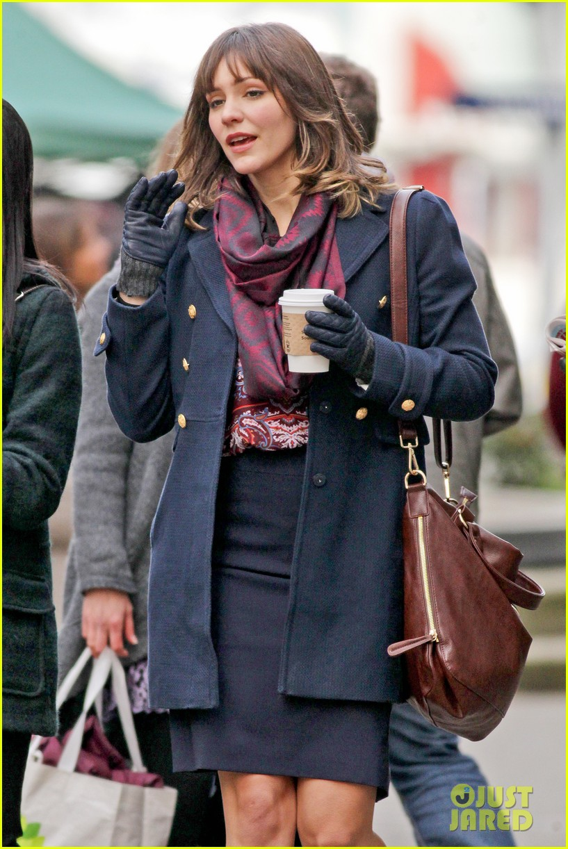 katharine mcphee goofs with fellow actress for in my dreams 113010672