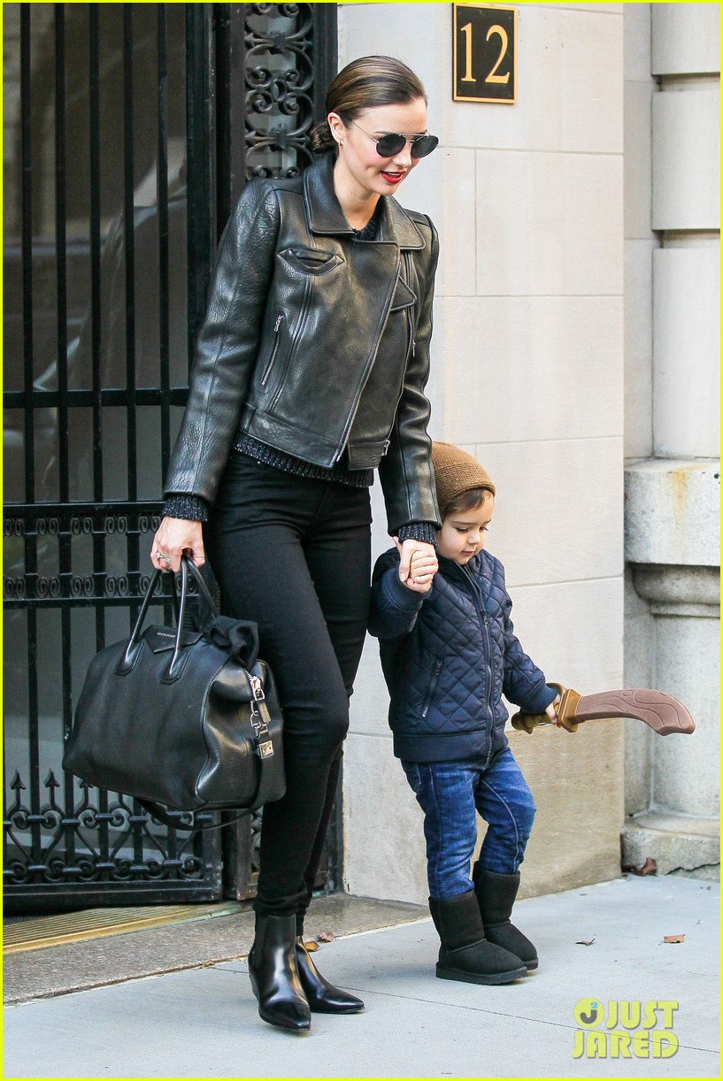 miranda kerr drops off flynn for day with daddy orlando bloom 14