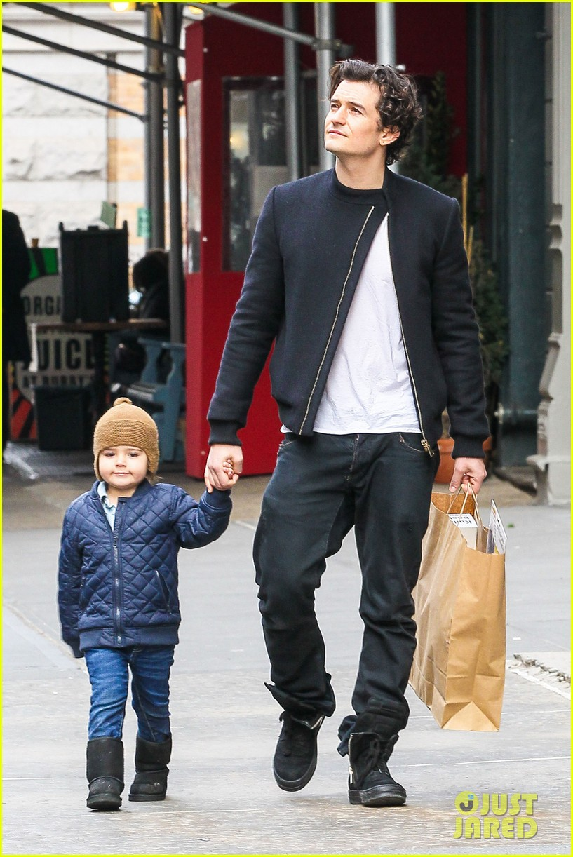 miranda kerr drops off flynn for day with daddy orlando bloom 273003005