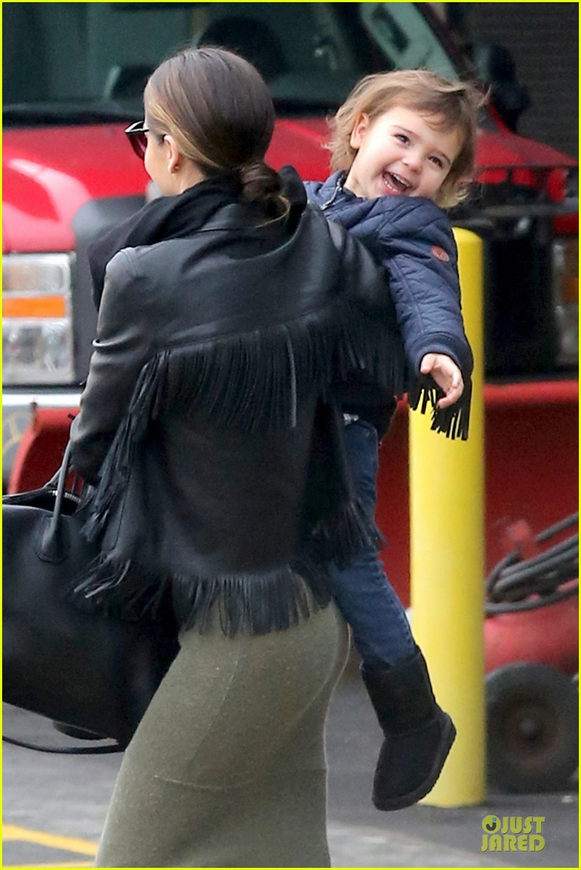 miranda kerr new years eve helicopter ride with flynn 043020590