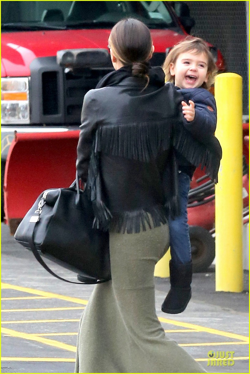 miranda kerr new years eve helicopter ride with flynn 163020602