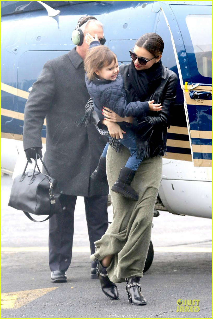 miranda kerr new years eve helicopter ride with flynn 23