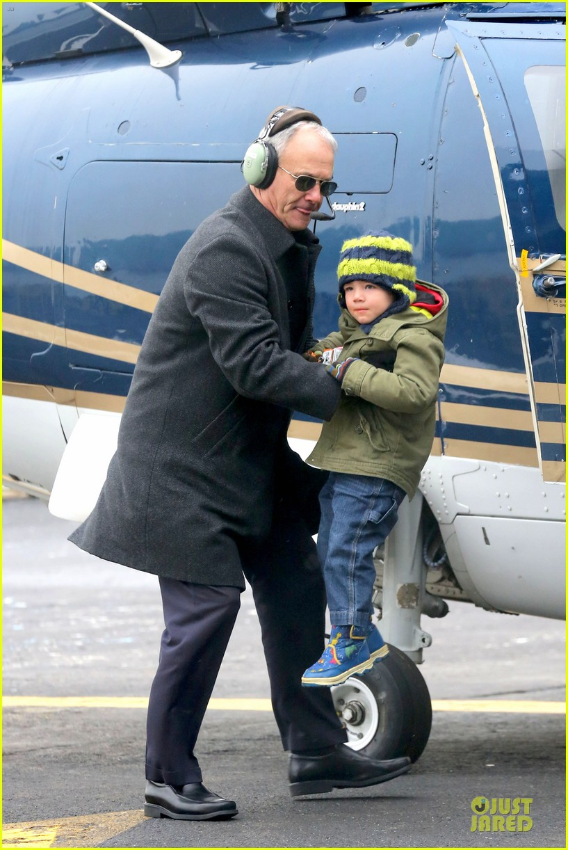 miranda kerr new years eve helicopter ride with flynn 283020614