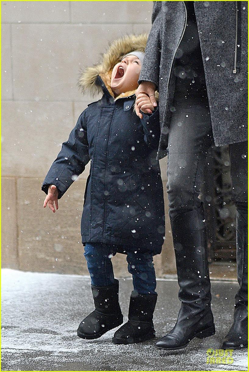 miranda kerr flynn snowy winter wonderland 083012003