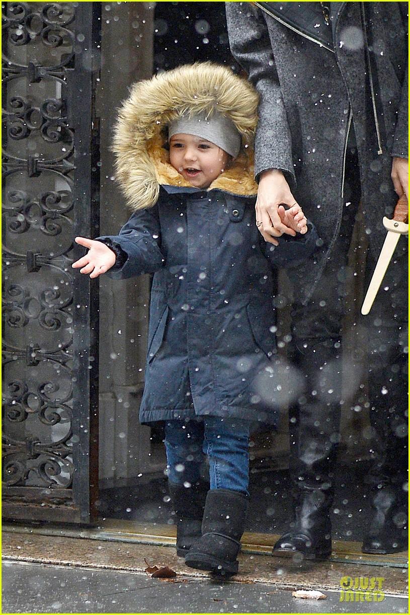 miranda kerr flynn snowy winter wonderland 113012006