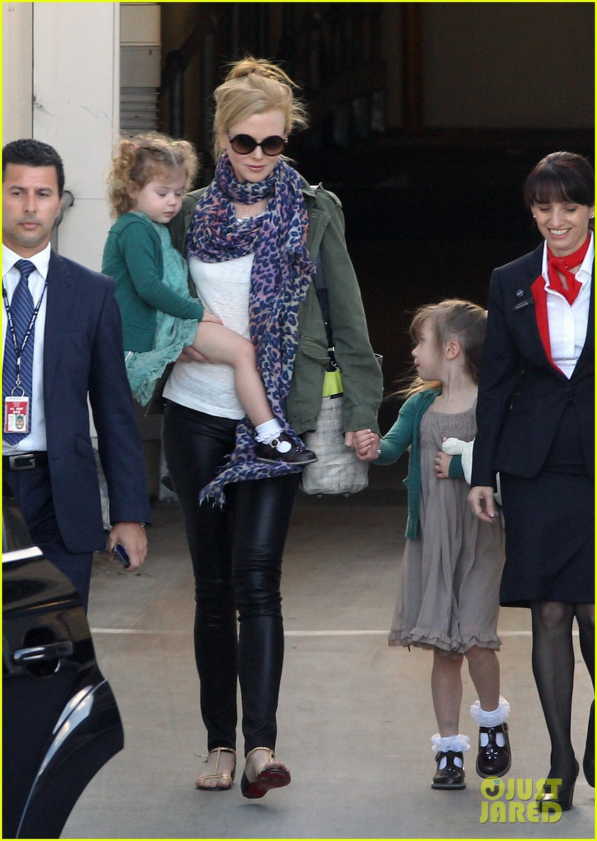 nicole kidman australia arrival with faith sunday 27