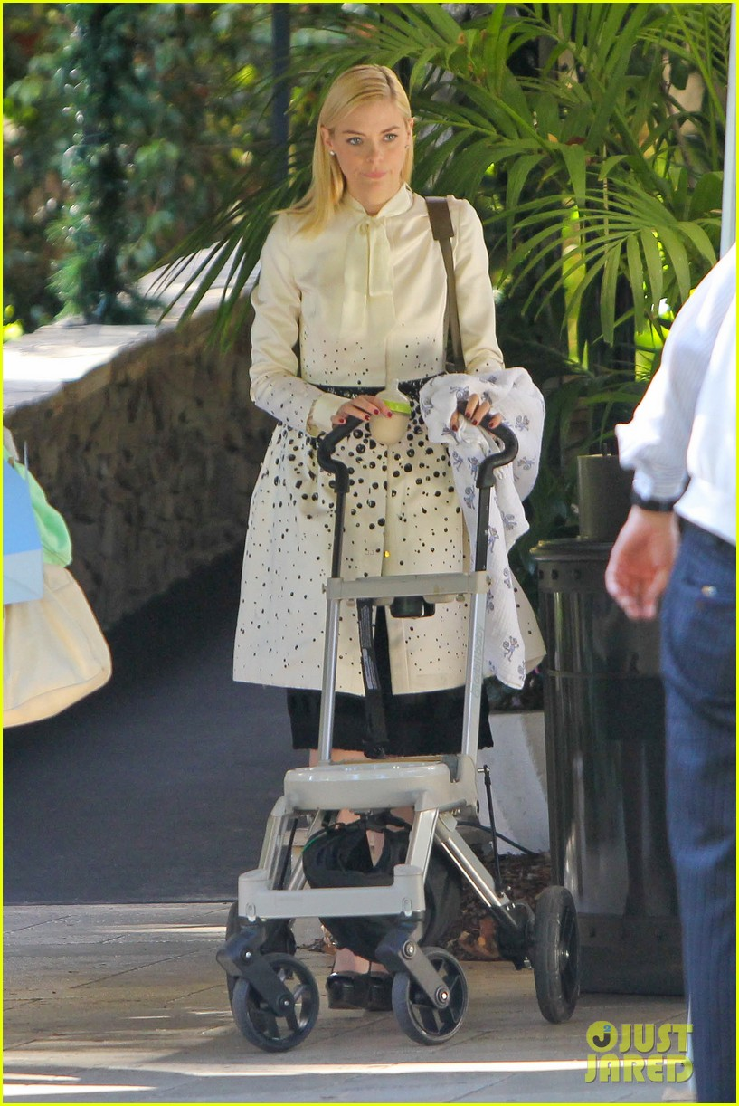 jaime king brunch date with kyle newman baby james 053019643