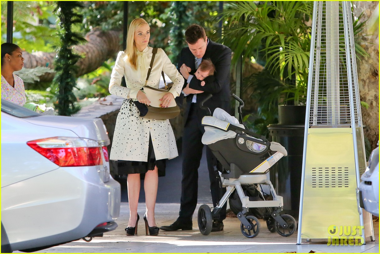 jaime king brunch date with kyle newman baby james 08