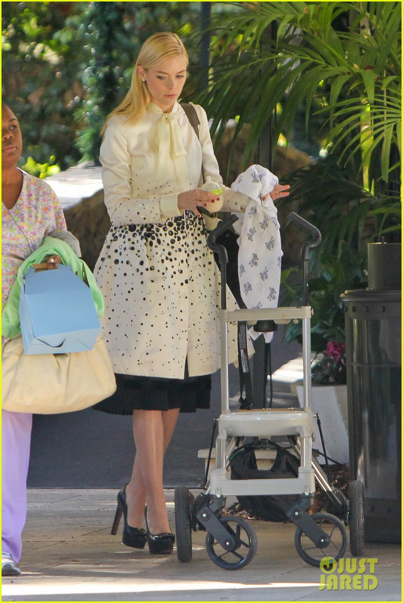 jaime king brunch date with kyle newman baby james 153019653