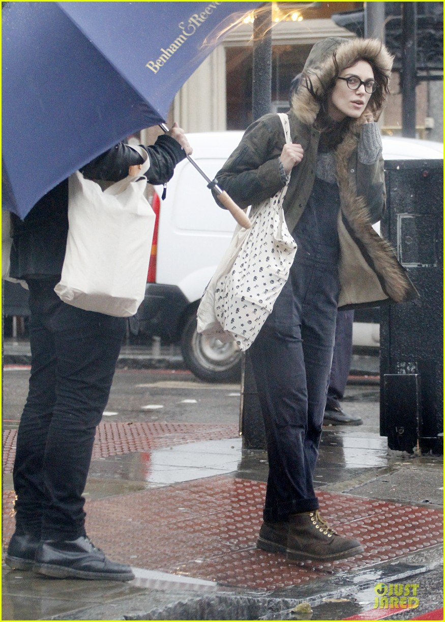 keira knightley james righton last minute holiday shopping 083016926