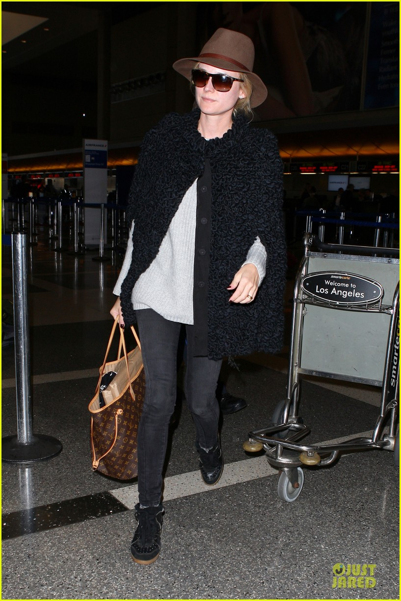diane kruger lax departure for european film awards 103005201