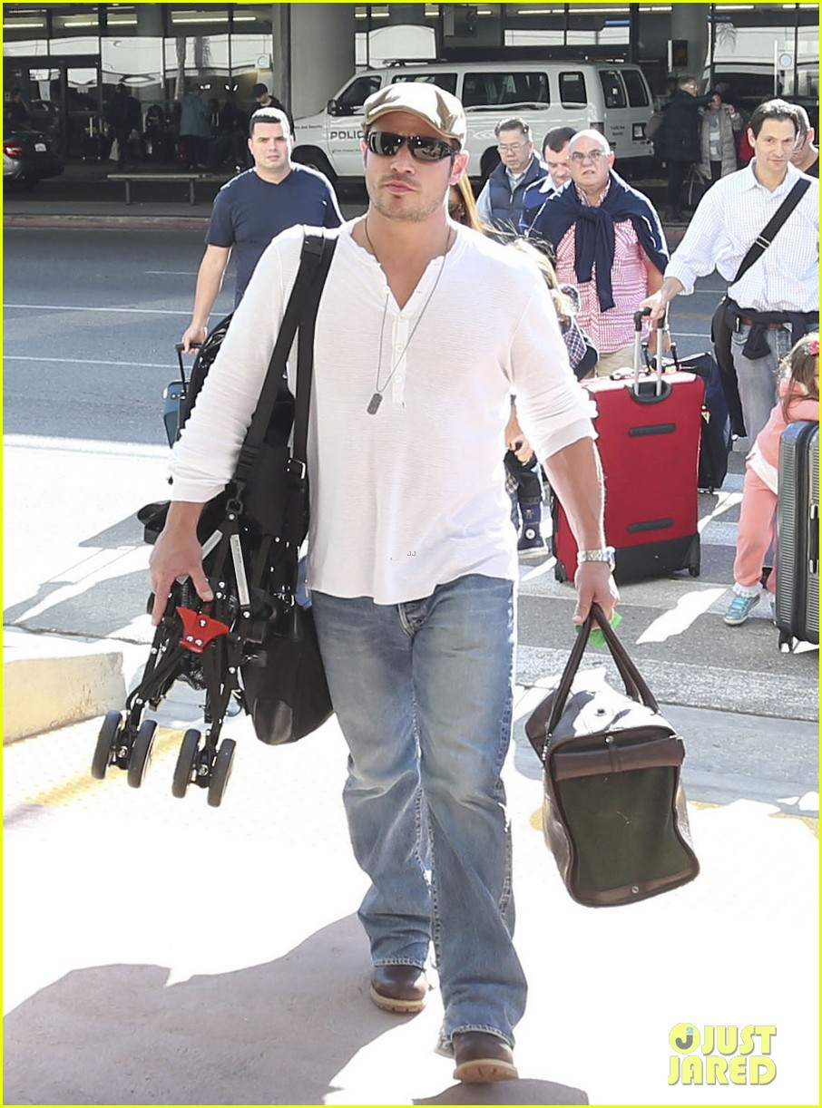 nick lachey wife vanessa lax arrival with son camden 083019328