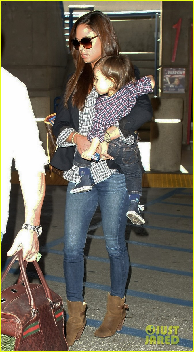 nick lachey wife vanessa lax arrival with son camden 103019330