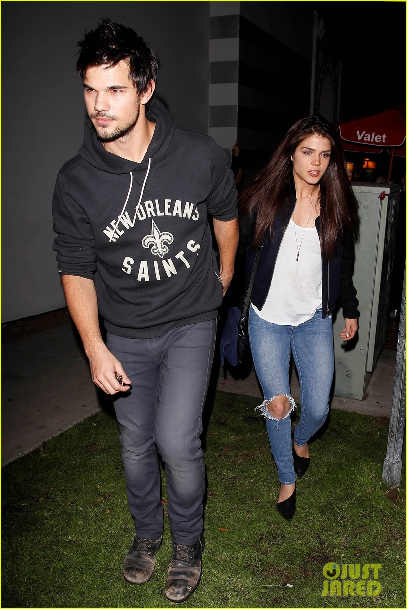 taylor lautner marie avgeropoulos acabar dinner date duo 013010633