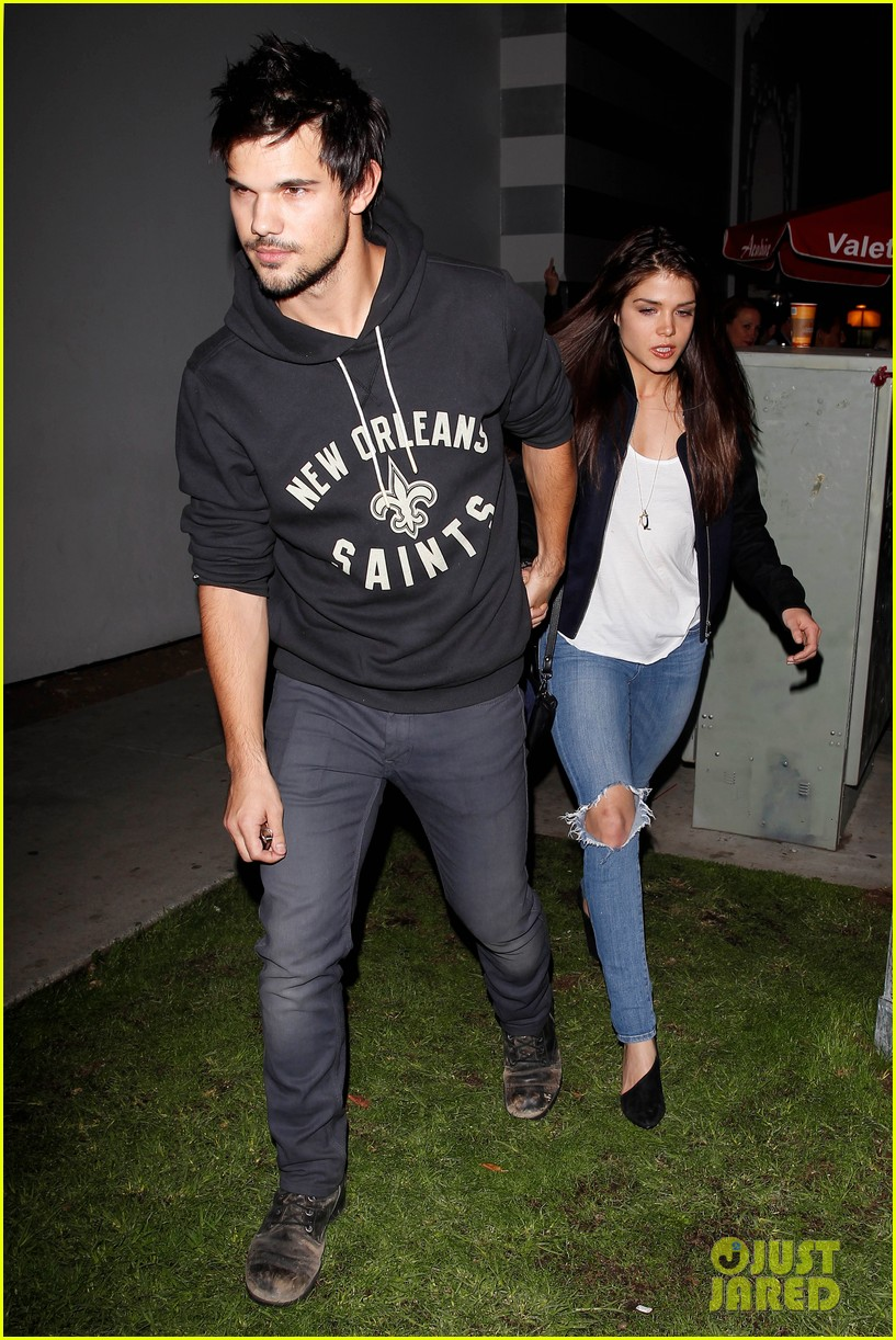 taylor lautner marie avgeropoulos acabar dinner date duo 123010644