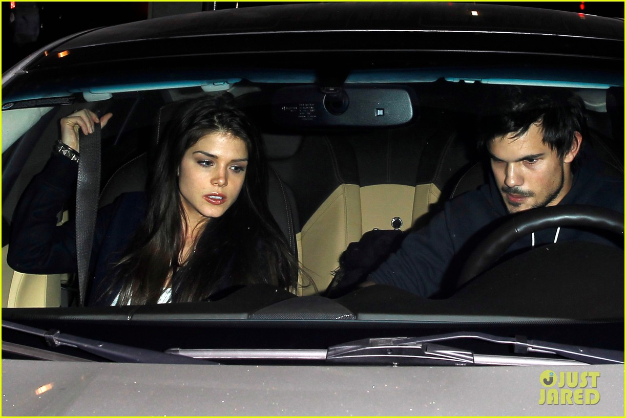 taylor lautner marie avgeropoulos acabar dinner date duo 223010654