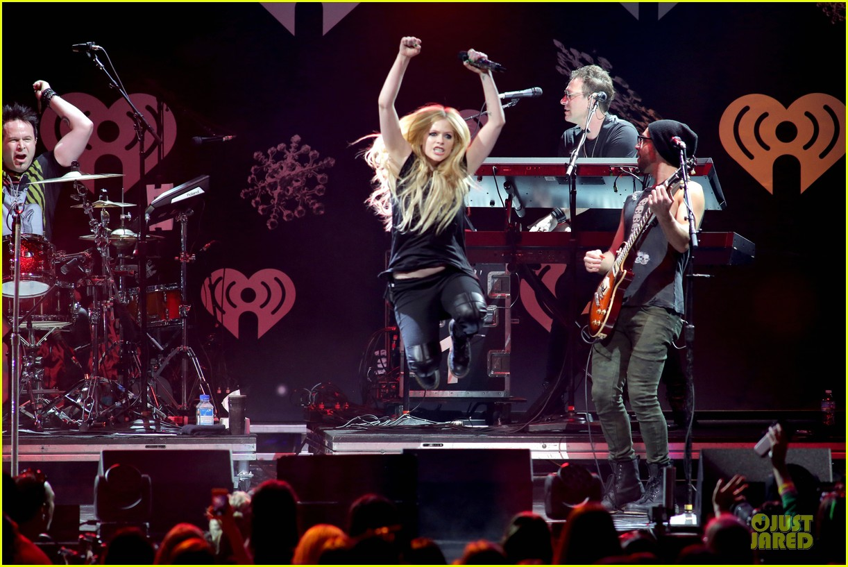 avril lavigne chad kroeger y100 jingle ball 2013 pair 053015629