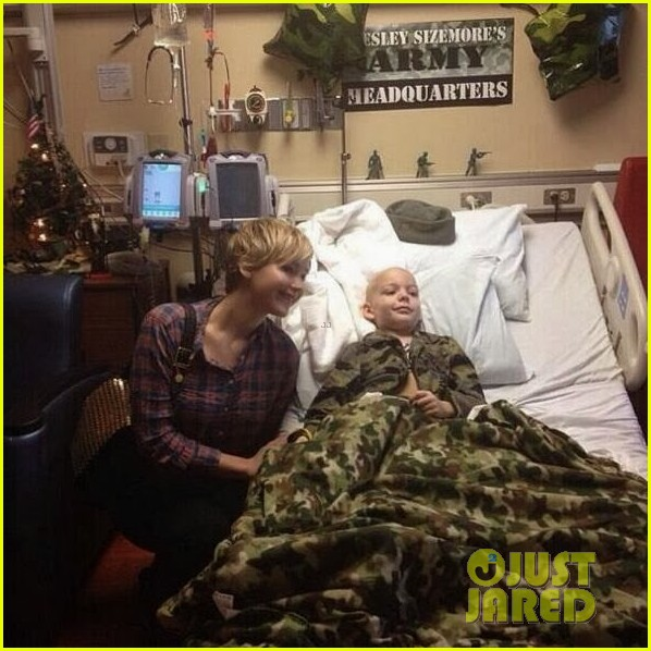 jennifer lawrence visits childrens hospital in louisville 033017248