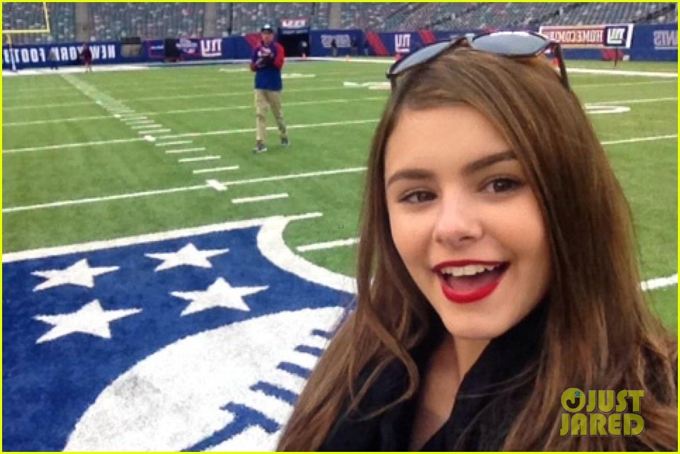 the voice jacquie lee sings national anthem meets kate mara at giants game 013019806
