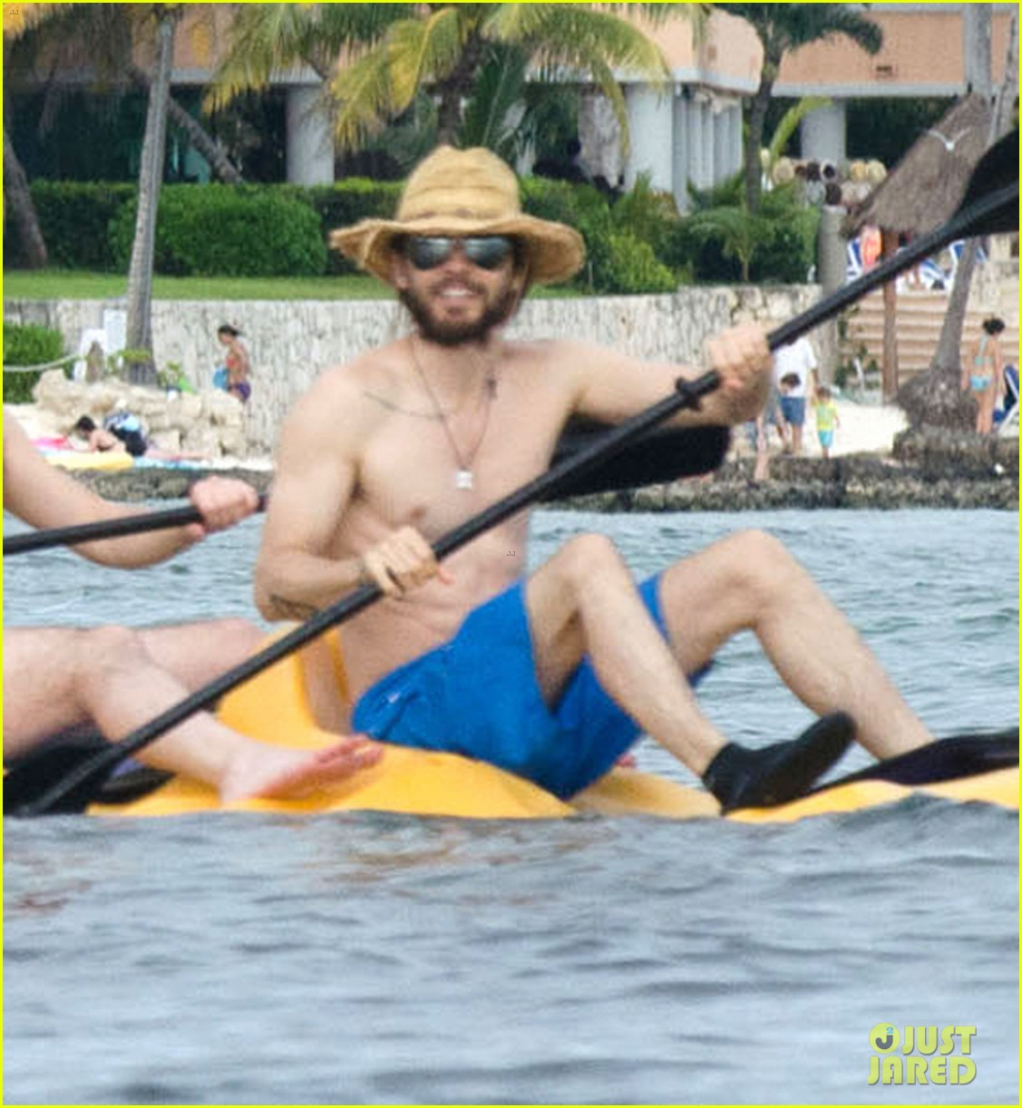 jared leto spends the weekend shirtless in mexico 053019821