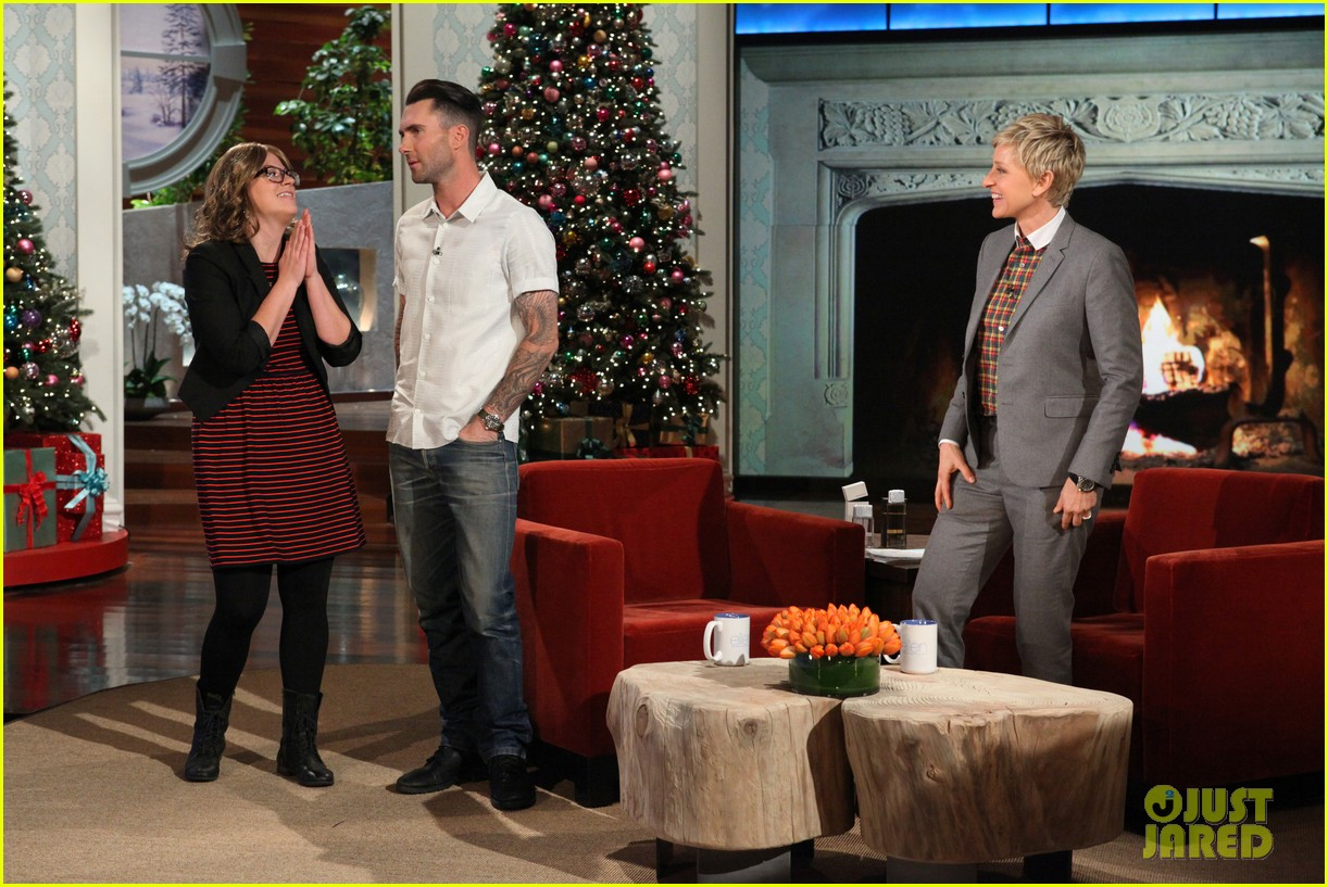 adam levine behati prinsloo laughed over sexiest man alive title 023005525