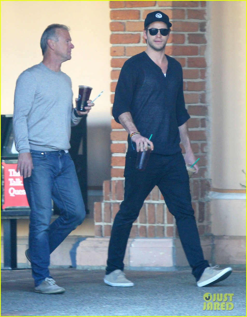 liam hemsworth grabs coffee groceries with dad craig 013016413