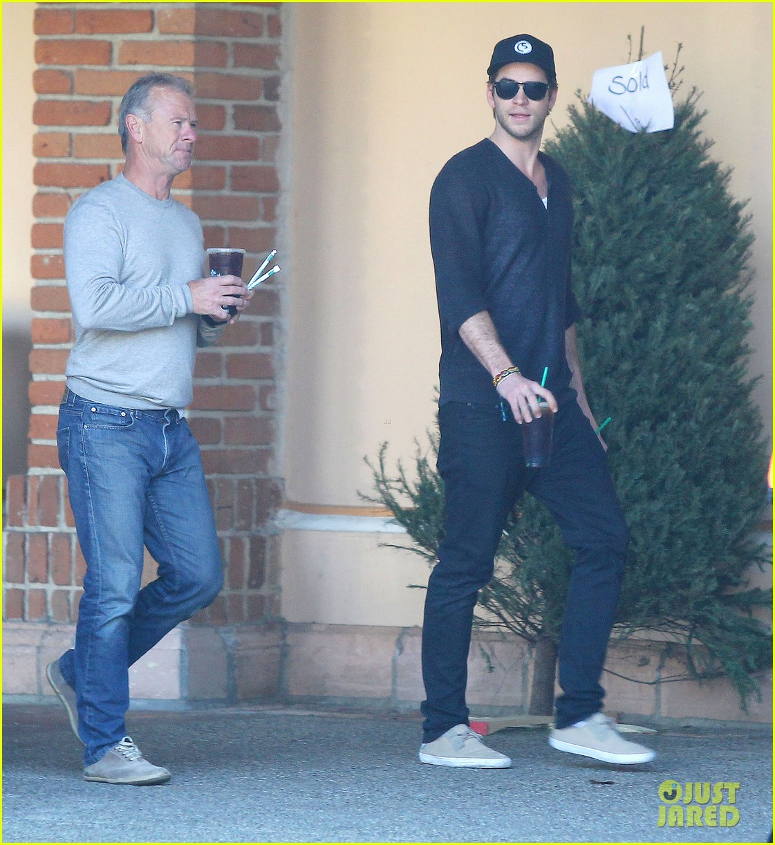liam hemsworth grabs coffee groceries with dad craig 073016419