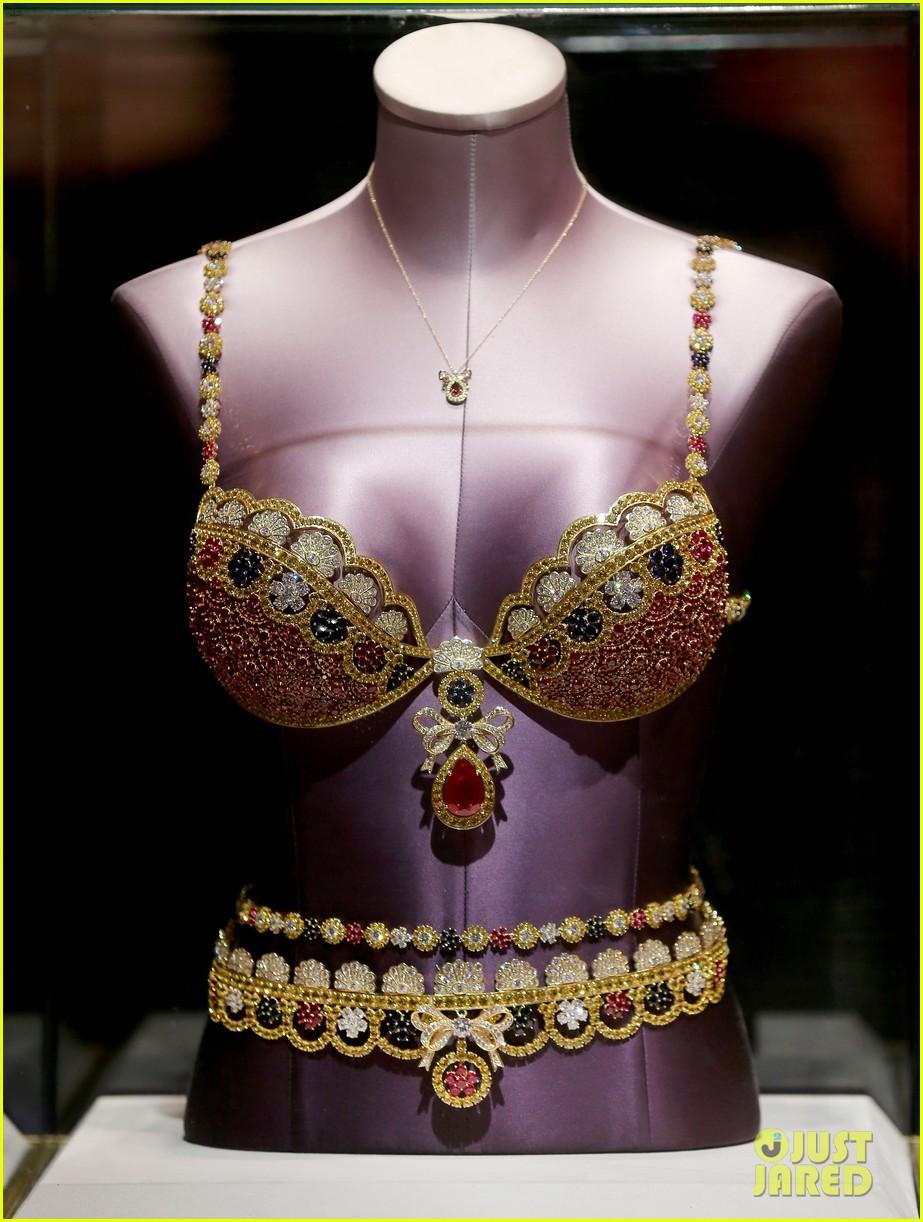 adriana lima launches victorias secret fantasy bra in dubai 033012870