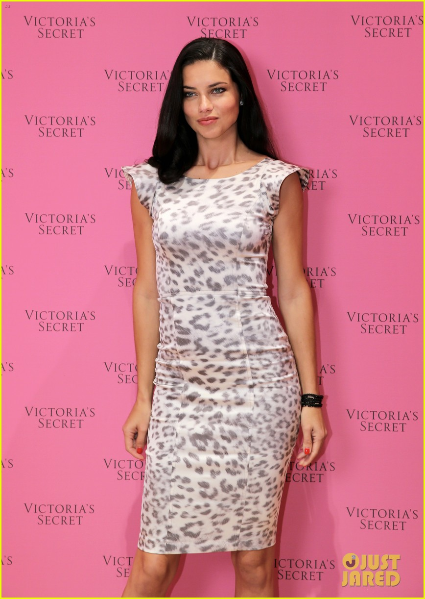 adriana lima launches victorias secret fantasy bra in dubai 103012877